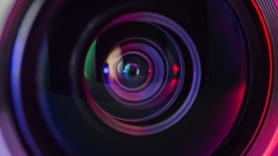 Sehende Maschinen - ein Video des VDMA zeigt Parallelen und Unterschiede zwischen technischem und menschlichem Sehen und liefert einen Einblick in diese Technik.