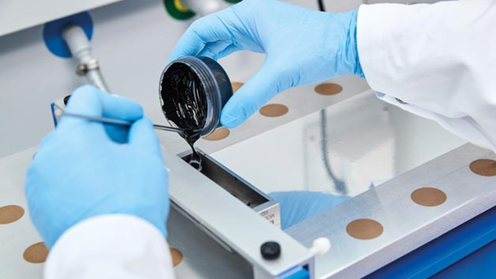 BASF und Nornickel haben eine strategische Kooperation geschlossen, um die steigende Nachfrage nach Batteriematerialien in Elektrofahrzeugen zu decken.