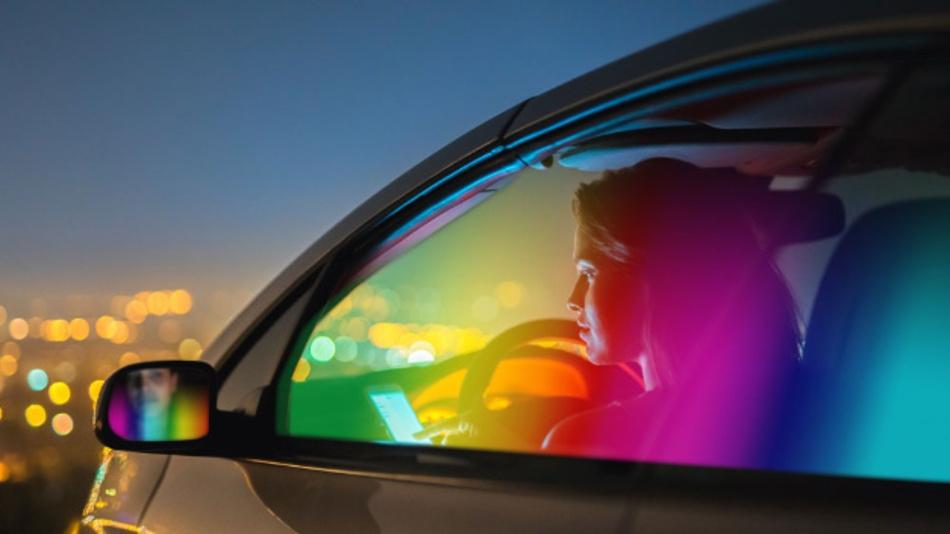 Die Mitglieder der ISELED-Allianz entwicklen neue Innenraum-Beleuchtungskonzepte für Autos rund um die »digitale LED«.