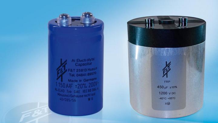 Grundsätzlich sollte immer die jeweilige Anwendung bestimmen, ob Aluminium-Elektrolyt-Kondensatoren oder Film-Kondensatoren zum Einsatz kommen – beide Bauarten haben Vor- und Nachteile