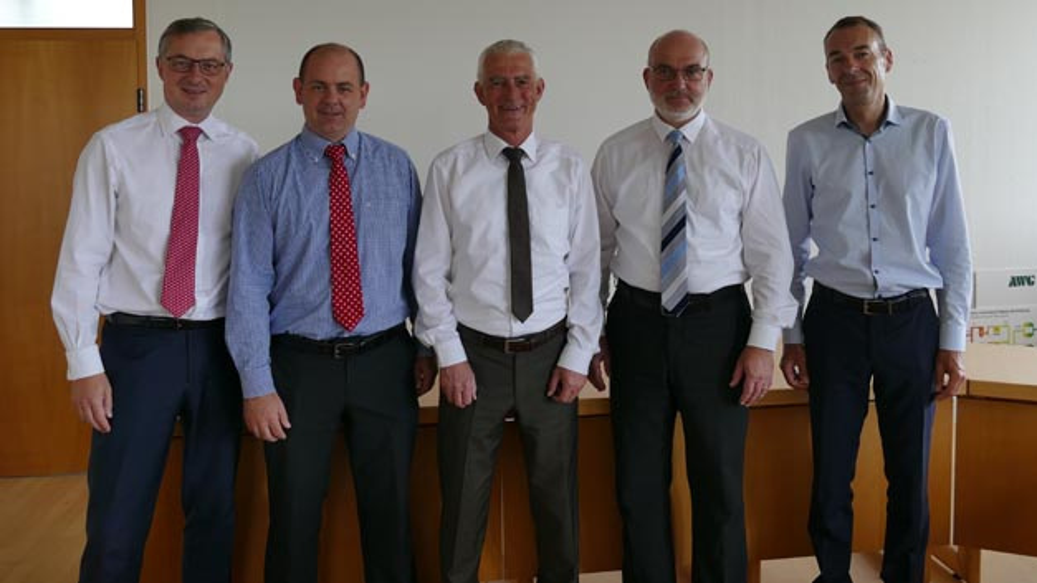 Freuen sich auf die künftige Zusammenarbeit: Ulrich Jaeger, Geschäftsführer WSW mobil, Rene Himmelstein und Henning Willig, Maximator, Conrad Tschersich, Geschäftsführer AWG, und Andreas Meyer, WSW mobil (vlnr).