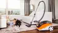 """Der """"AQUA+ Pet & Family"""" ist eines der Modelle aus dem Hause Thomas, das mit dem Aqua-Filtersystem ausgestattet ist, welches Tierhaar, Staub, Schmutz, kleine Mengen Flüssigkeit und Geruchspartikel bindet und nichts als frische Luft hinterlässt."""
