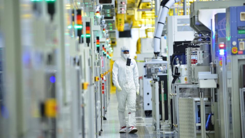 Die Maschinen in einer Fab für die Fertigung von ICs stammen zu einem großen Teil von US-Herstellern. Ohne deren Equipment und Support dürfte die Poduktion schwierig werden.