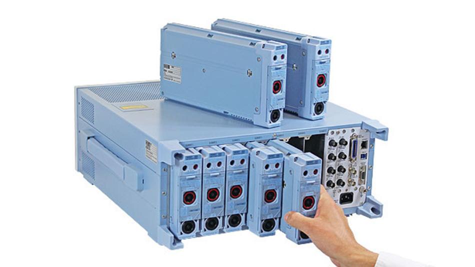 Bild 1. Über leicht wechselbare Module kann der Leistungsanalysator WT5000 an die jeweilige Messaufgabe angepasst werden. Bis zu sieben Messmodule kann er aufnehmen – ausreichend für die Wirkungsgradmessung an sechsphasigen Motoren.