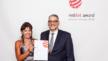 Bereits im Frühjahr wurde der Red Dot Product Design Award 2018 für die Heizkörperthermostate verliehen. Designer Tom Farenski und Eberle-Marketingleiterin Birgit Teubner nahmen die Urkunde entgegen.
