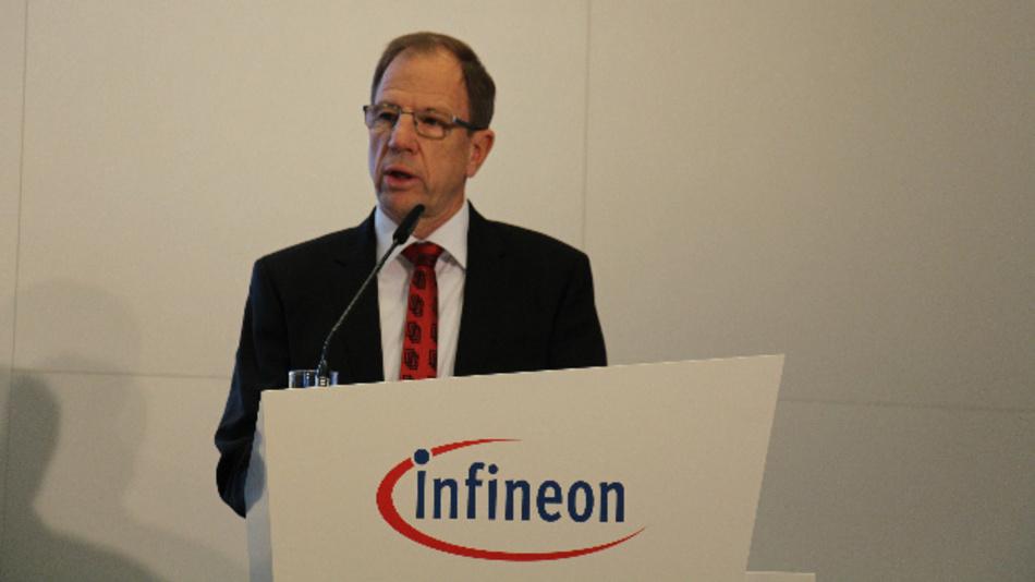 """Dr. Reinhard Ploss, Vorsitzender des Vorstands von Infineon: """"Erstmals haben wir mit unseren heutigen Geschäftsbereichen in einem Quartal mehr als 2 Mrd. Euro Umsatz erwirtschaftet""""."""