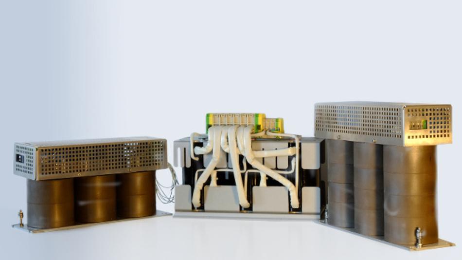 Zwei EMV-Filter (Sinusfilter) und ein dreiphasiges Drosselmodul von SMP