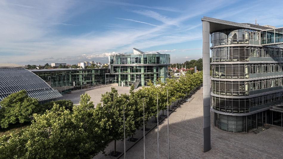 Audi - hier das Audi Forum Ingolstadt - startet mit dem Dieselrückruf in Deutschland. Das KBA hatte die Freigabe vorher erteilt.