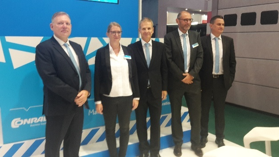 Dr. Werner Conrad, Mitte, mit seinem Management-Team für die digitalen Services.