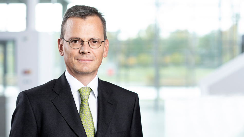 Finanzvorstand Dominik Asam verlässt Infineon und geht zum 1. April 2019 als CFO zu Airbus SE.