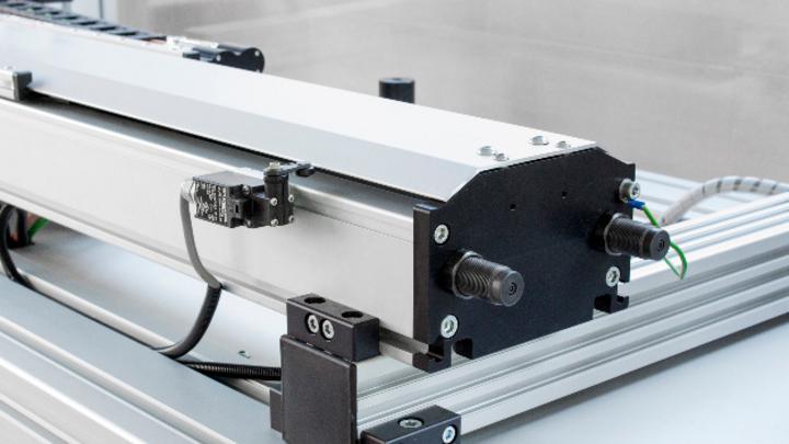 Positionierachsen mit integriertem Linearmotor von Bahr Modultechnik