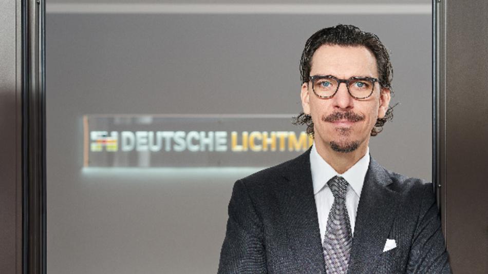 CEO Alexander Hahn glaubt an die Digitalisierung: »Beleuchtung wird ein integraler Bestandteil der Smartifizierung von Gebäuden, Fabriken und ganzen Städten. Mit eigenen Patenten und intelligenten Kooperationen treiben wir diese Entwicklung mit voran.«