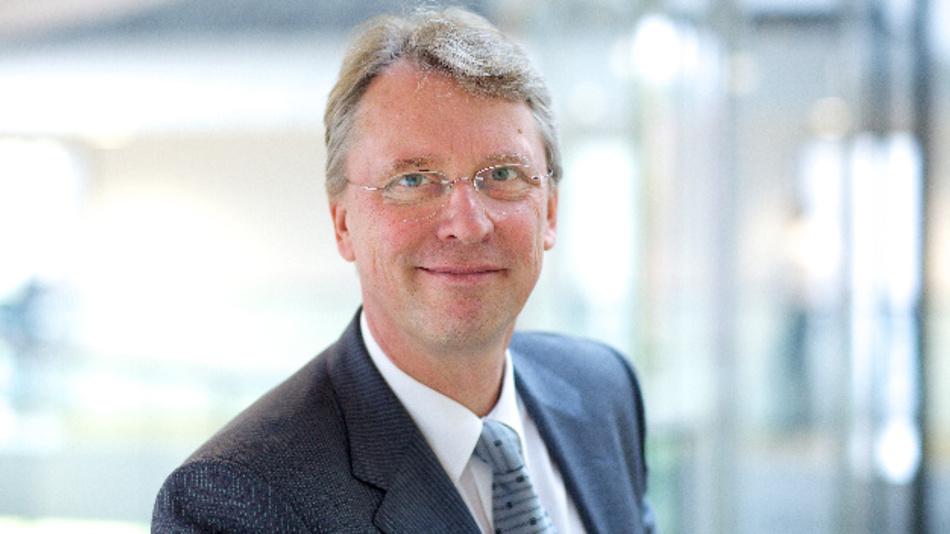 Prof. Dr. Christoph Meinel, HPI: »Wir freuen uns, einen Global Player wie Rolls-Royce bei der Datenanalyse und Entwicklung seiner digitalen Fähigkeiten zu unterstützen und unseren Studierenden auf diese Weise einen engen Bezug zur Praxis zu ermöglichen.«