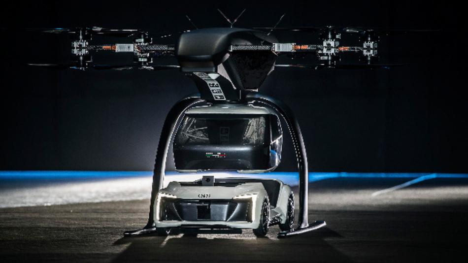 Fliegender und fahrender Prototyp des »Pop.Up Next« – Kombination aus selbstfahrendem Elektroauto und Passagierdrohne.