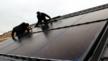 Installation von Solarwatt-Indach-Modulen im Rahmen einer Dachsanierung Ende November in Messer bei Darmstadt.