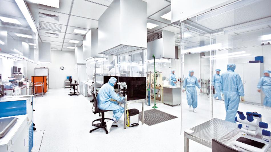 Ein Sensorreinraum der Firma First Sensor aus Dresden. Das Unternehmen ist auch bei SenSa dabei.