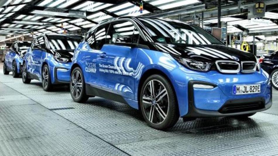 Kobalt spielt für Elektrofahrzeuge eine wichtige Rolle - der Abbau ist aber häufig mit der Verletzung von Menschenrechten verbunden. Daher hat BMW zusammen mit BASF, Samsung SDI und Samsung Electronics ein gemeinsames Pilotprojekt initiiert.
