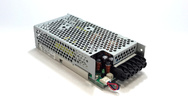 Nicht für alle Anwendungen eignen sich Standard-Netzteile: Systemtechnik Leber bietet Cusomized-Stromversorgungen an.