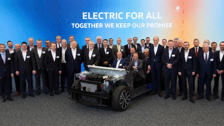 Dr. Herbert Diess, CEO Volkswagen Konzern, Ralf Brandstätter, COO und Beschaffungsvorstand Marke Volkswagen, und Thomas Ulbrich, Vorstand E-Mobilität Marke Volkswagen, mit den CEOs der wichtigsten Zulieferer für den Volkswagen ID.