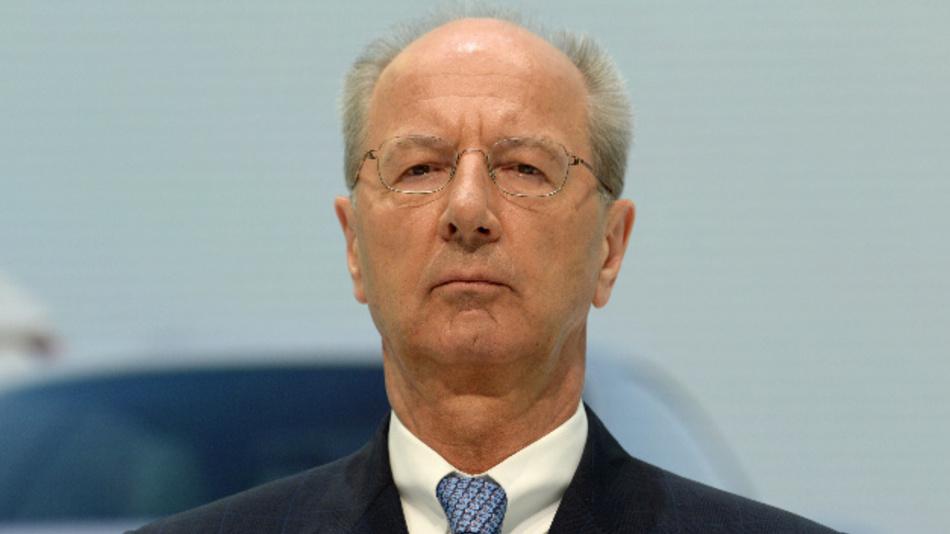 Hans Dieter Pötsch, Vorsitzender des Aufsichtsrats der Volkswagen AG, bei einer Pressekonferenz.