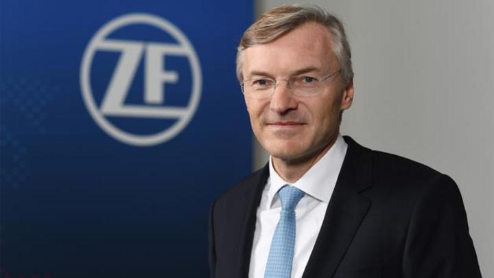 Wolf-Henning Scheider, Vorsitzende des Vorstands der ZF Friedrichshafen: »Der Anteil an Hybridgetrieben in der Produktion wird sich in den nächsten Jahren verzehnfachen – von fünf auf dann 50 Prozent«.