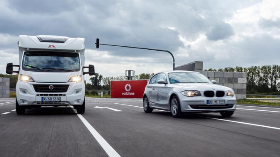 Die Württembergische und Vodafone personalisieren die Kfz-Versicherung für Fahranfänger.