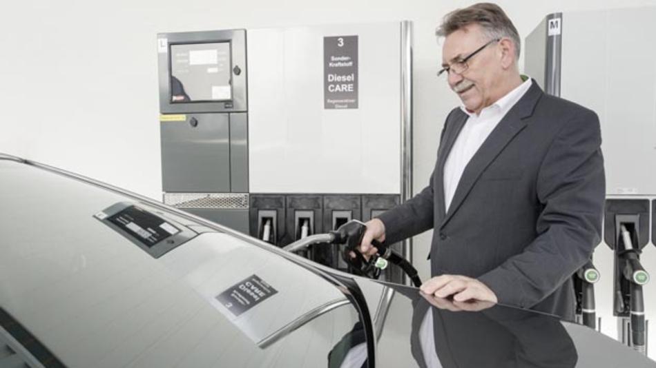 In Fahrzeugen der Geschäftsführung setzt Bosch seit Anfang November einen zu 100 Prozent regenerativen Diesel ein.