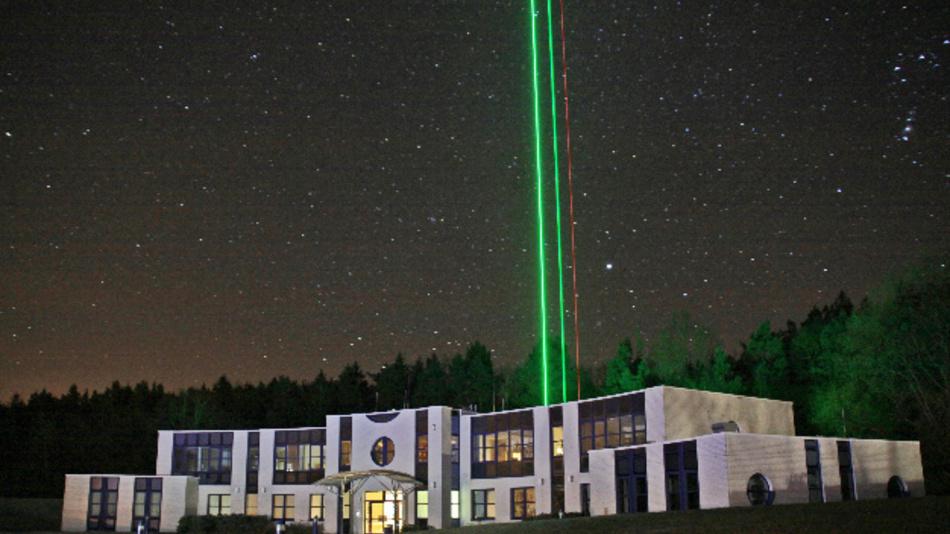 Test mit verschiedenen Lasern beim IAP an der Ostseeküste