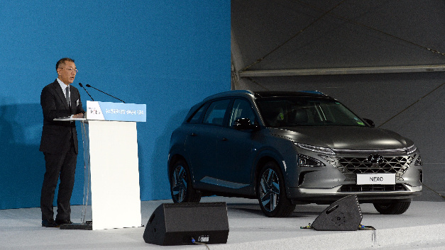 Euisun Chung, Executive Vice Chairman of Hyundai Motor Group, bei der Vorstellung der »FCEV Vision 2030«.