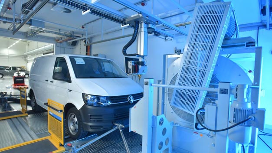 Der neue Rollenprüfstand von Volkswagen Nutzfahrzeuge: Hier werden die Messungen nach dem neuen WLTP-Verfahren vorgenommen.