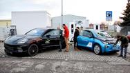 Das Laden eines Elektrofahrzeugs könnte bald genauso schnell von statten gehen, wie der Tankprozess eines Verbrenners. Das demonstrierten BMW, Porsche, Siemens, Phoenix Contact und Allego im Rahmen des Forschungsprojektes FastCharge.