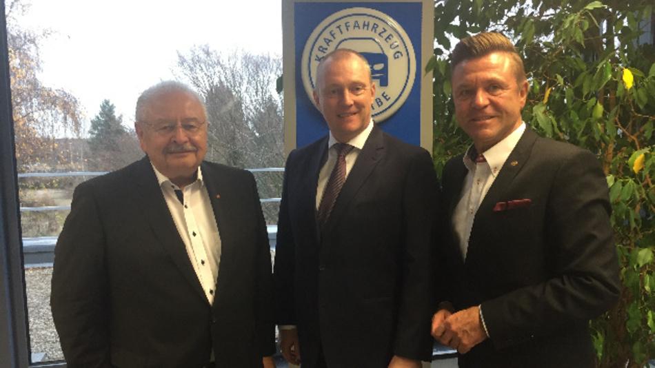 Nach der Vereinbarung zur Kooperation der Fachverbände (von links nach rechts): Jürgen Karpinski (ZDK), Peter Börner (ZKF) und Wilhelm Hülsdonk (ZDK).