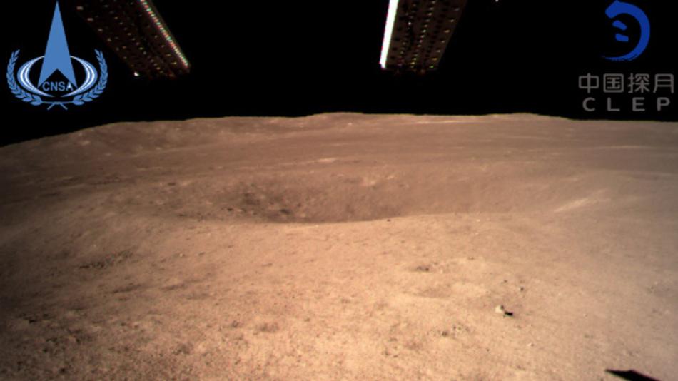 Die von der China National Space Administration (CNSA) am 03.01.2018 zur Verfügung gestellte Aufnahme zeigt die Rückseite des Mondes, aufgenommen von der «Chang'e 4»-Sonde.