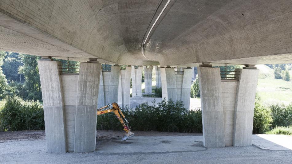 Angesichts des Einsturzes der Autobahnbrücke in Genua im August werden der Zustand und die verbleibende Lebensdauer von Brücken auch in Deutschland immer wieder öffentlich diskutiert.