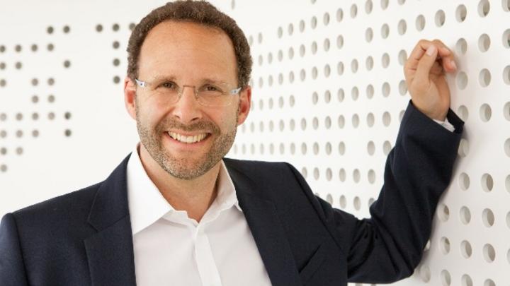 Karsten Vierke, Signify: »Mein Wunsch für 2019: Sprechen wir mehr über die Chancen der Industrie als über die Herausforderungen.«