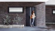Schüco ist Systemanbieter für Fenster, Türen sowie Fassaden und unterstützt die ganze Bandbreite der Gestaltung moderner Gebäudehüllen zur Steigerung von Wohnqualität, Energieeffizienz und Sicherheit.