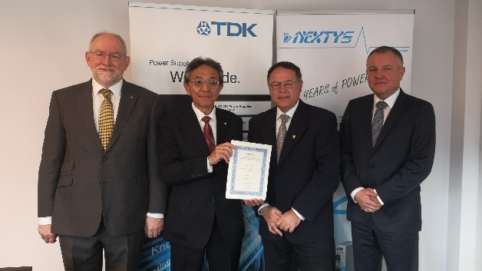 Von links nach rechts: Adam Rawicz (Managing Director, TDK-Lambda EMEA); Kazuhiko Sekimoto (General Manager Administration Div. TDK-Lambda Japan); Marius Ciorica (CEO Nextys); Gustav Erl (General Manager, TDK-Lambda Germany).
