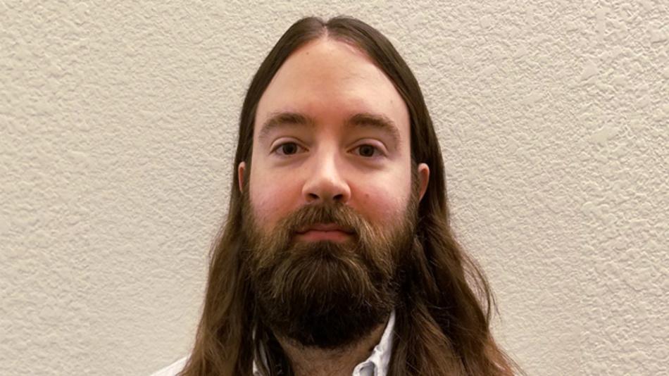 Ian Williams, B. Sc. ist Applikationsingenieur und SPICE-Modellentwickler für Präzisionsverstärker bei Texas Instruments in Tucson, Arizona, USA. Er erhielt seinen Bachelor in Elektrotechnik von der Universität von Texas in Dallas. asktexas@ti.com