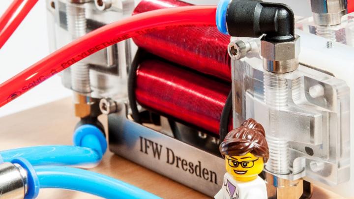 Thermomagnetischer Generator im Labormaßstab