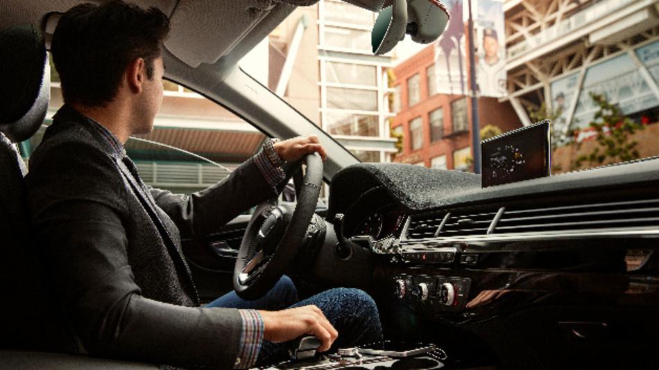 Qualcomm wird die Speicher-Systeme von Micron in die eigenen Snapdragon-Automotive- Cockpit-Plattformen integrieren, beide Partner optimieren ihre jeweiligen System aufeinander und validieren die Ergebnisse gemeinsam.