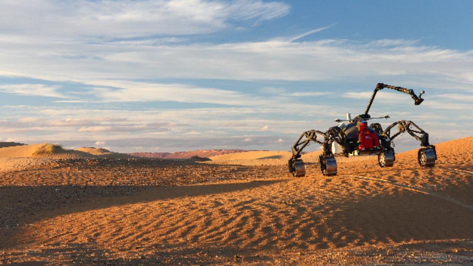Der hybride Schreit- und Fahrrover Sherpa TT durchquerte dank der neuen Software autonom die Wüste und legte dabei eine Strecke von über 1,3 km zurück.