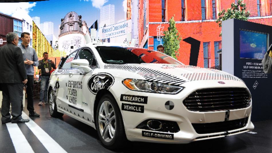 Ford zeigte auf der Technik-Messe CES ein Testauto seines Roboterwagen-Programms.