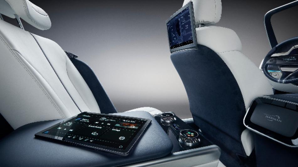 »Premium Communications« sorgt für klare und störungsfreie Konversationen im Fahrzeug.