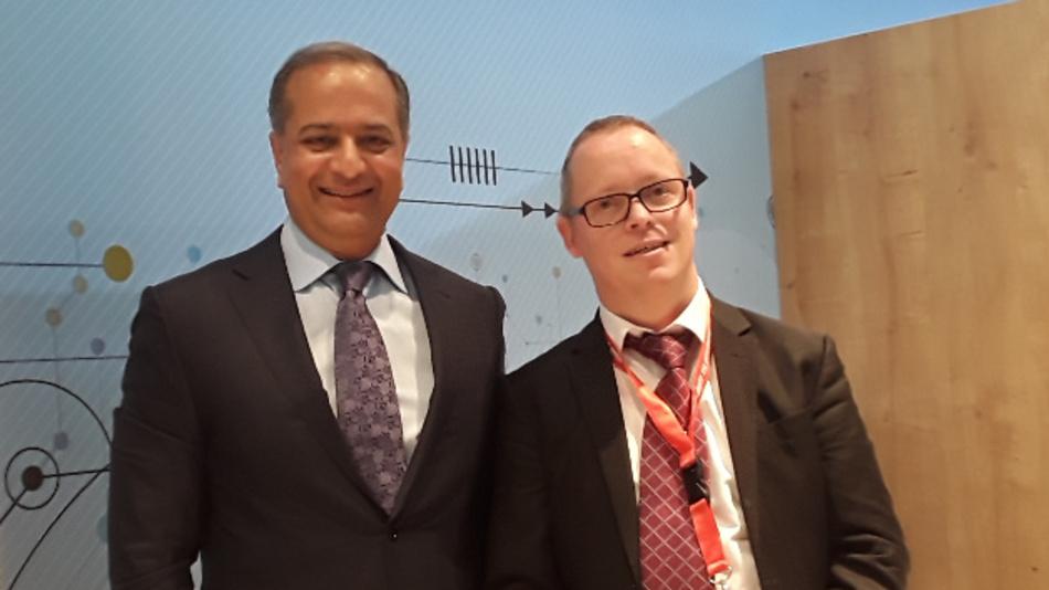 Mit Rajesh Vashist, dem CEO von SiTime, traf sich unser Redakteur Ralf Higgelke (rechts).