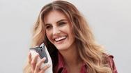 """""""Switzerland Next Topmodel Kandidatin Vanessa Gosteli mit dem Philips """"MoistureProtect Auto Curler"""". Das Gerät ist ab sofort zu einem Preis von 149,99 Euro (UVP) im Handel erhältlich."""