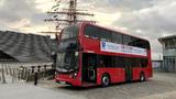 ZF Friedrichshafen rüstet Brennstoffzellenbus von Alexander Dennis mit der elektrischen Antriebsachse AxTrax AVE aus.