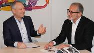 Klaus Dargahi (mit Brille) und Andreas Schrägle können auf 20 Jahre Smart-Tec zurückblicken.
