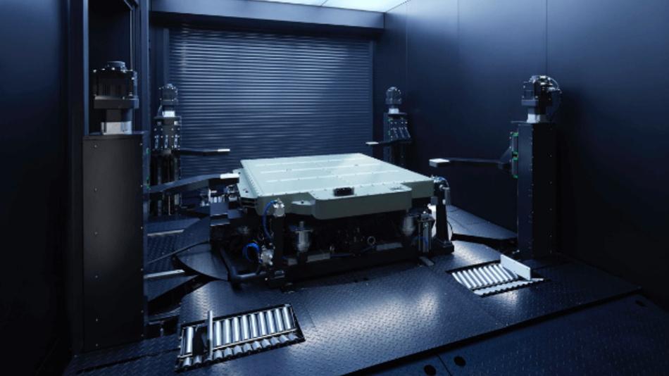 Der Akkuwechsel erfolgt in den Stationen vollautomatisiert – nach drei Minuten ist die Batterie am Unterboden des NIO ES8 gewechselt.