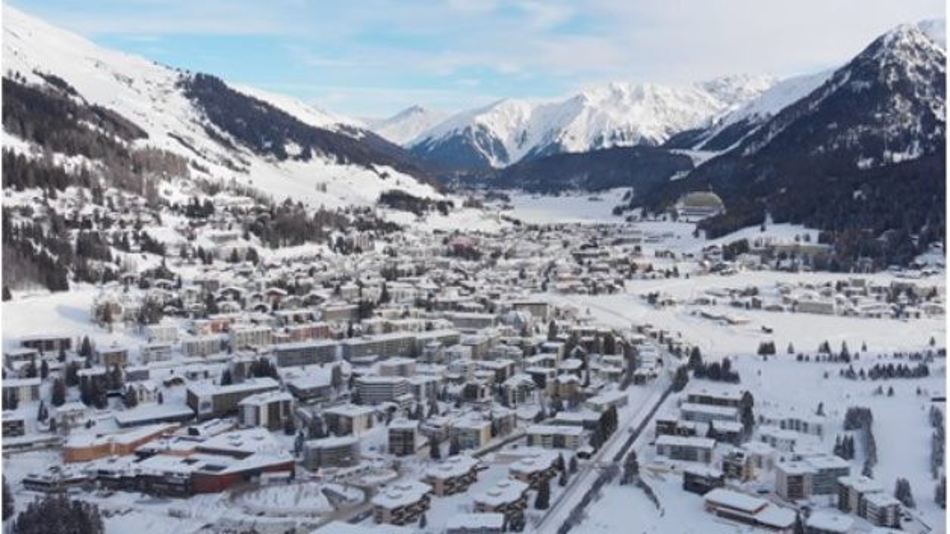 In der Umfrage im Vorfeld des Wirtschaftsforums in Davos hat PwC die Top-Manager befragt. 30 Prozent glauben, dass die Wirtschaft über die kommenden 12 Monate zurückgeht. Im vergangen Jahr waren es lediglich 2 Prozent gewesen.
