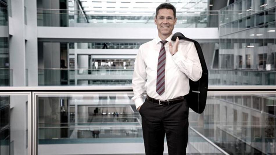 Sieht eine Notwendigkeit, das Wissen in der Batterietechnologie stetig auszubauen: Dr. Axel Heinrich, Leiter der Volkswagen Konzernforschung. Daher investiert der Autobauer 10 Millionen US-Dollar in das Start-up Forge Nano.